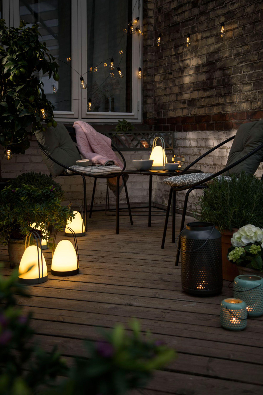 salon-de-jardin-nuit-lumieres-bougies